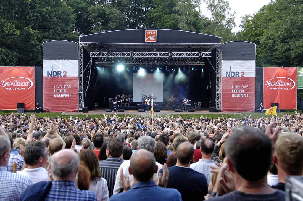 Stadtpark Open R Hamburg towerstage Bühne mit Anbauten