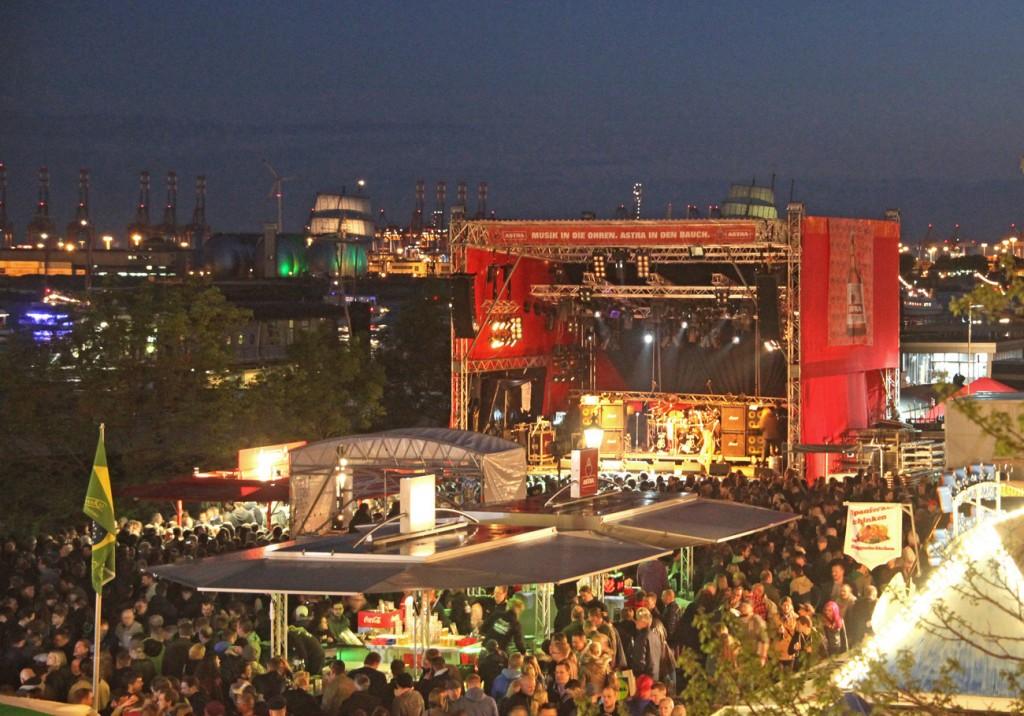 Hafenrock Astra Bühne beim Hamburger Hafengeburtstag 2013