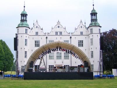 Arcstage Bühne beim Schloss Ahrensburg
