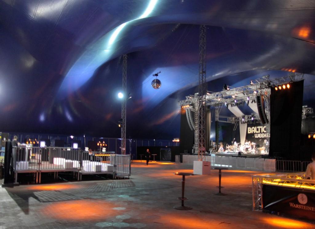 Baltic Soul Weekender tentstage Bühne und VIP Area mit integriertem FOH